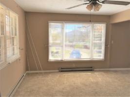 185 Trantham Rd. - Living Room