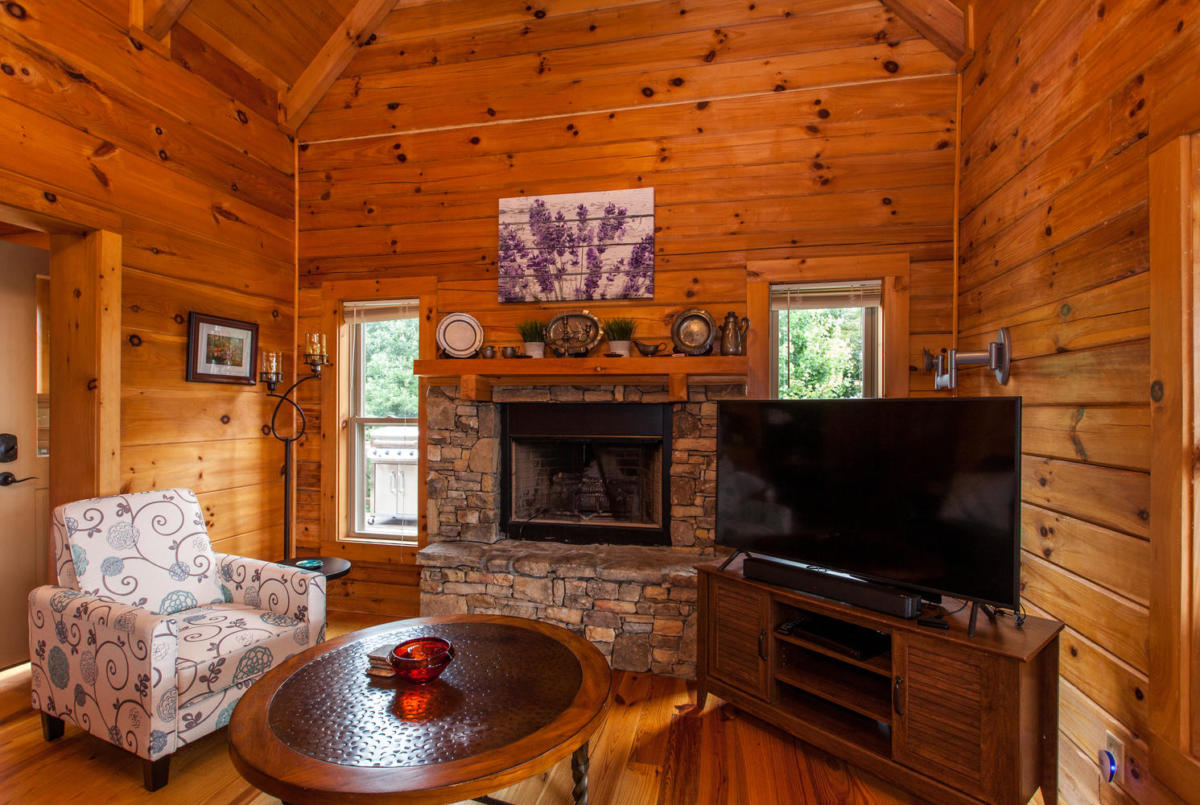 Apple Blossom Cabin Maggie Mountain Vacations