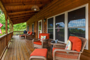 Apple Blossom Cabin Deck