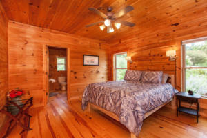 50 Eindon Cir Waynesville NC-large-021-021-Master Bedroom-1500x1000-72dpi