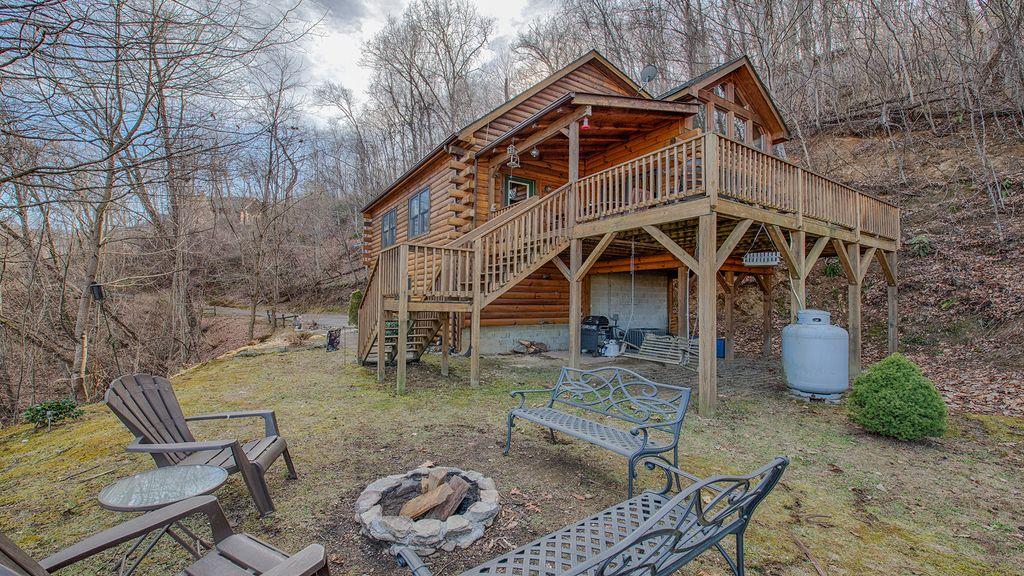 Bearadise – Maggie Mountain Vacations