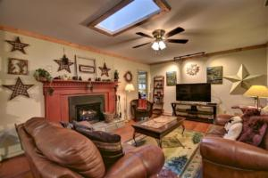 246 Campbell Creek Rd Maggie-large-021-030-Gas Log Fireplace in the-1500x999-72dpi