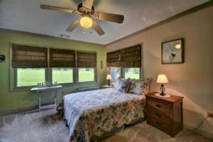 246 Campbell Creek Rd Maggie-large-027-028-Bedroom 3 Lots of Light-1500x999-72dpi