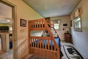 246 Campbell Creek Rd Maggie-large-030-032-Bedroom 5 Bunkroom for the-1500x999-72dpi