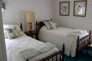 Cottage on the Greens, Guest Bedroom
