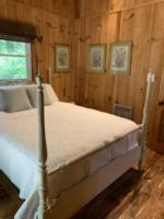 Creek Crossing Retreat-guestbedroom (3)