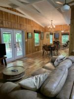 Creek Crossing Retreat-livingroom (1)