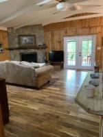 Creek Crossing Retreat-livingroom (2)