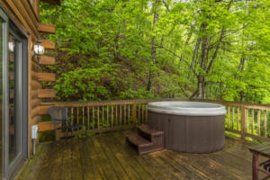 Laurel View Lodge Deck  Hot Tub