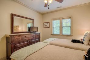 Luxury Cabin Condo, 1st Guest BedRoom