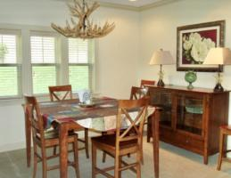 Luxury Cabin Condo, Dining Room