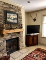 Luxury Cabin Condo, Fireplace (2)