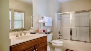 Luxury Cabin Condo, Guest Bath (2)