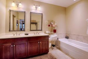 Luxury Cabin Condo, Master Bath