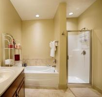 Luxury Cabin Condo, Master Bath (2)