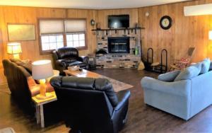Owl's Perch, Living Room
