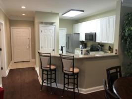 Par Three, Breakfast Bar facing Kitchen