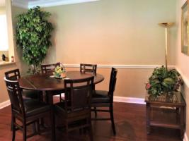 Par Three, Dining Room (2)