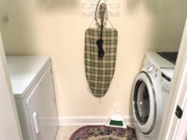 Par Three, Laundry Room