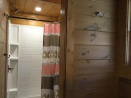 Serenity Mountain Retreat Master Bathroom (2)