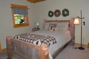 Treetop 1st bedroom