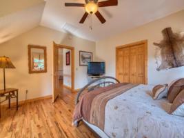 Otter Room (Bedroom 2)